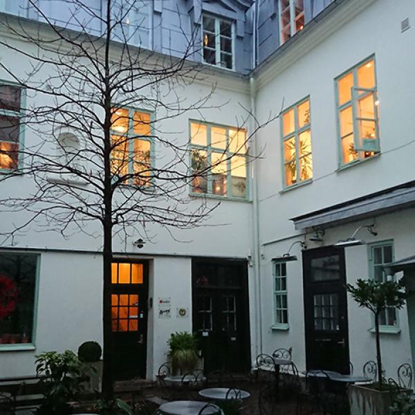 Bjerkås Ateljé, Göteborgskonstnär Carl Bjerkås